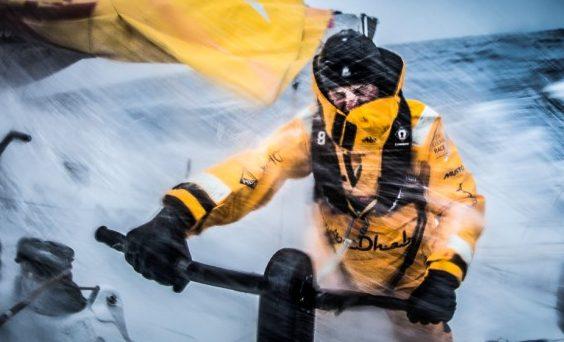 Navigare d'inverno: l'abbigliamento giusto per tutte le tasche