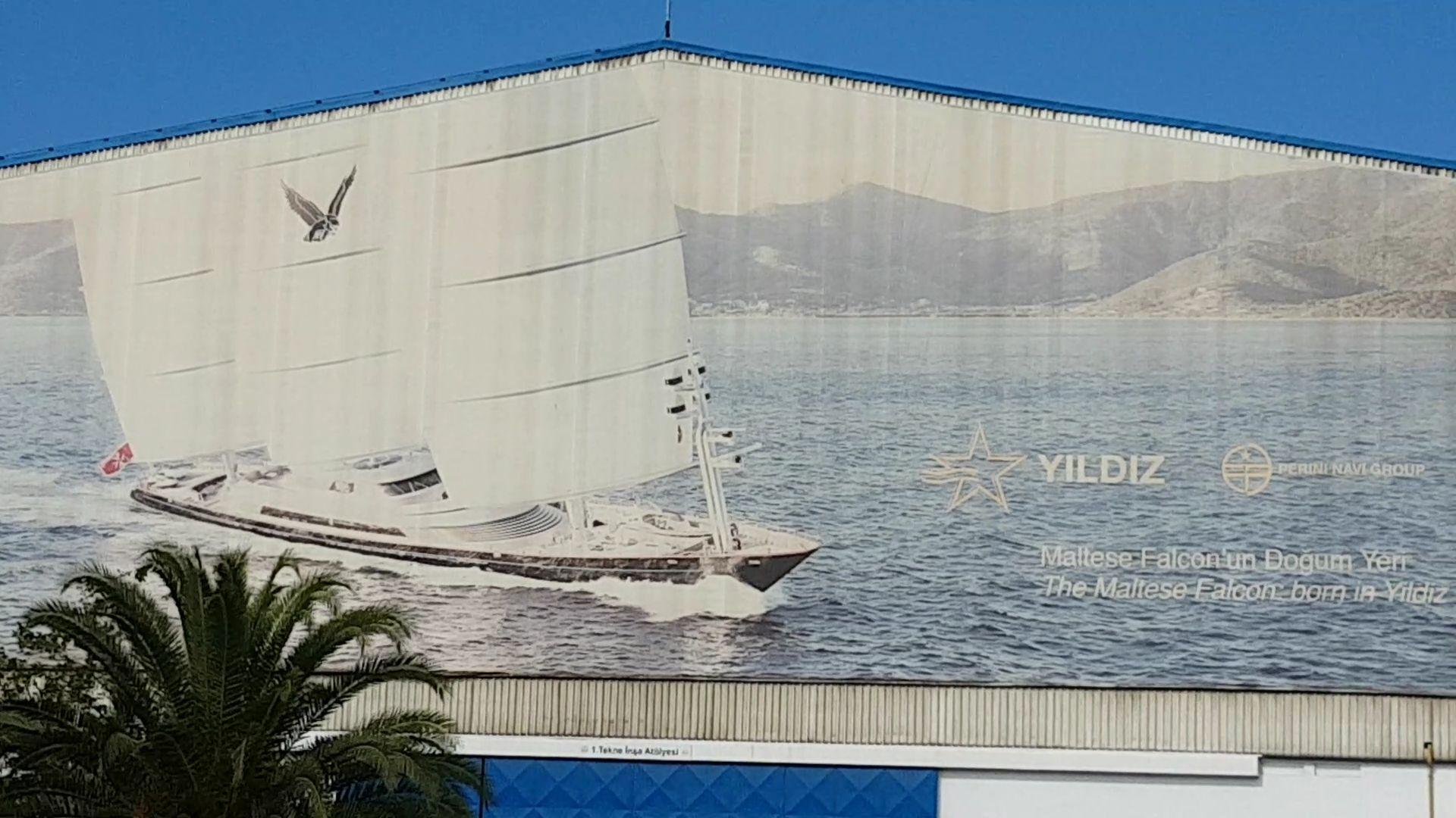 maltese falcon nave di lusso